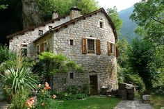 Stone House, Saint-Chely du Tarn, France photo by I Ring. One of my favourite regions in France. Beautiful Homes, Beautiful Places, Amazing Places, Wonderful Places, France Photos, Stone Houses, Stone Cottages, To Infinity And Beyond, Cozy Cottage