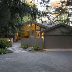 Mid Century Bungalow Exterior Design, Pictures, Remodel, Decor and Ideas - page 4