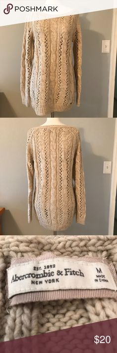 ABERCROMBIE & FITCH SWEATER Pre-loved oversized pull-over in oatmeal. Abercrombie & Fitch Sweaters Crew & Scoop Necks