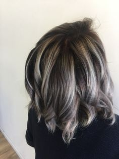 Medium Hair Styles, Short Hair Styles, Types Of Hair Color, Haircuts, Hairstyles, Transition To Gray Hair, Dark Hair With Highlights, Brunette Color, Light Hair