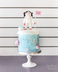 Double barrel astronaut themed cake for a girl Rocket Birthday Parties, Boys 1st Birthday Party Ideas, Second Birthday Ideas, Wild One Birthday Party, Diy Birthday Decorations, Birthday Cake Girls, Birthday Celebration, Poppy Party Ideas, Rocket Cake