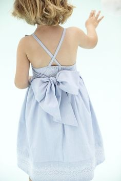 Beautiful little girl's dress.  I could sew this.