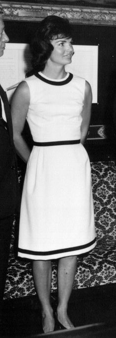 Jackie Kennedy Onassis Is A Style Icon ... Here Are 85 Reasons Why (PHOTOS)1962