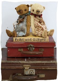 English bears Fred and Ginger from The Vintage Magpie Old Teddy Bears, Vintage Teddy Bears, My Teddy Bear, Boyds Bears, Vintage Toys, Antique Toys, Vintage Suitcases, Love Bear, Bear Doll