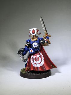 Finally, introducing Captain Felix Decimus; Commander of the Ultramarines 11th Company, Grand Duke of Vespastor, Tetrarch of Ultramar. By Rj Harris #ultramarines #paintingwarhammer #warhammer40k #primariusmarines