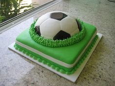 """Cookies & Cakes: """"Futbol"""" Queque de fondant Vainilla y Chocolate Soccer Birthday Parties, Soccer Party, Soccer Ball Cake, Sport Cakes, Cakes For Men, Cute Cakes, Sweet Desserts, Beautiful Cakes, Cake Cookies"""