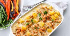Tämä kanakastike kypsennetään uunissa. Maussa curry ja muut keittiön tutut mausteet yhdistyvät ananaksen ja juustokerman kanssa. Kastikkeen tekeminen on helppoa erityisesti isolle porukalle, kun broileria ei tarvitse paistaa pannulla. Cheesesteak, Mashed Potatoes, Macaroni And Cheese, Good Food, Food And Drink, Koti, Curry, Baking, Ethnic Recipes