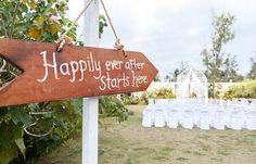 Co sądzicie o drogowskazach na weselu, pomocne czy zbędne? My uważamy, że są suuuper ;) http://www.slubmisja.pl/drogowskazy-na-weselu-informacyjna-nowosc-w-dekoracjach/