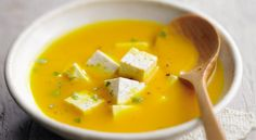 Recette de #soupe de #potiron à la #feta Finesse, Healthy Food, Healthy Recipes, Thai Red Curry, Barbecue, Nutrition, Cooking, Ethnic Recipes, Kitchen