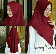 Jilbab instan / Hijab Khimar Lazmy softpad antem Diamond crepe, Khimar softpad antem dengan variasi rempel plisket di bagian belakang atas khimar, serta taburan payet mutiara di bagian pet, badan khimar, serta ujung rempel atas, WA +628129936504