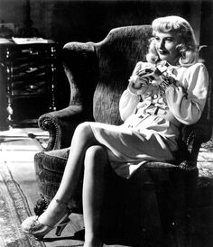 Barbara Stanwyck in Double Indemnity (1944).