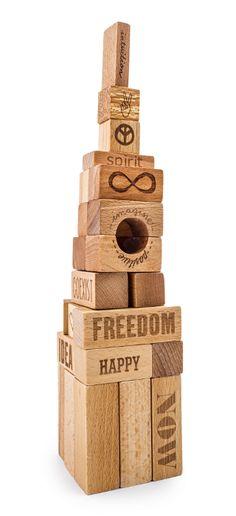 Wieża z klocków Peace & Love