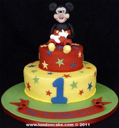 003983 Micky Mouse themed boy's birthday cake.jpg 936×1,000 pixels