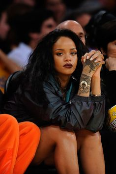 WHO: Rihanna WHERE: Lakers game, Los Angeles WHEN: January 15, 2015