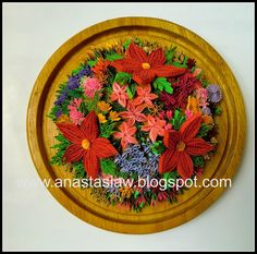 Anastasia (Annie) Wahalatantiri: Quilled flower decor for centre table Quilling Paper Craft, Quilling Flowers, Quilling Cards, Handmade Greetings, Greeting Cards Handmade, Felt Crafts, Paper Crafts, Flower Decorations, Table Decorations