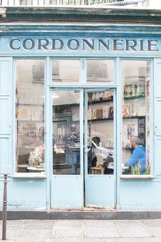 Urban Jungle Bloggers: Boot Café In Paris #urbanjunglebloggers #Paris