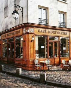 Le Cafe Montmartre at Paris,France モンマルトルカフェ@パリ Montmartre Paris, Paris Paris, Paris Street, Streets Of Paris, Paris City, Restaurants In Paris, Barcelona Restaurants, Saint Ouen, French Cafe