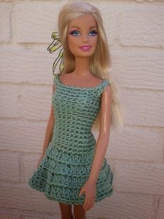 Crochet Toy Barbie Clothes Ravelry: Barbie's Dress pattern by linda Mary - Crochet Barbie Patterns, Crochet Doll Dress, Barbie Clothes Patterns, Black Crochet Dress, Crochet Barbie Clothes, Doll Clothes Barbie, Barbie Dress, Clothing Patterns, Crochet Dresses