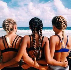 Photography Ideas: Beach Pics With Friends Beach pics with friends amazing and super funtastic 26 Tumblr Beach Pictures, Family Beach Pictures, Bff Pictures, Best Friend Pictures, Friend Photos, Beach Photos, Cruise Pictures, Cute Summer Pictures, Lake Pictures