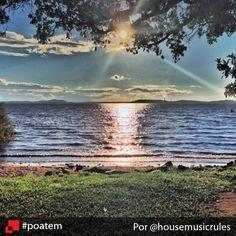 Um belo momento para ser fotografado, não é? Esse é apenas um dos ângulos possíveis para se ver o entardecer na capital. Esse aqui foi flagrado em Ipanema, na Zona Sul. Pôr do sol em Ipanema por @housemusicrules #poatem #sunset #pordosol #igerspoa