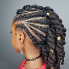 """15.1k Likes, 175 Comments - Mommy of Shanillia and Janelle (@shanillia26) on Instagram: """"Some more hairstyle inspiration for ya'll! I'm in love with this simple protective style! She…"""""""