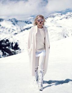 Maxi abrigo. Snow Fashion, Winter Fashion, Fashion Looks, Mode Au Ski, Apres Ski Outfits, Fashion Models, Sporty Fashion, Fashion Bloggers, Trendy Fashion