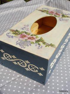 Коттедж BabyGagi: Лавандовый установки и nielawendowe ларцы Tissue Box Covers, Tissue Boxes, Papel Tissue, Decor Crafts, Diy Crafts, Decoupage Box, Acrylic Resin, Wood Boxes, Chalk Paint