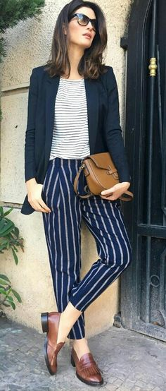 look trabalho usando mix de estampas 5 modern looks to try at work. Look work in office. Office look. Modern look to work with. tips tips … Classy Casual, Classy Dress, Classy Outfits, Casual Looks, Casual Outfits, Fashion Outfits, Look Casual Chic, Formal Outfits, Classy Chic