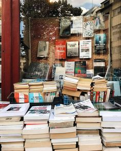 """bookbaristas: """"Paris bookstore throwback because @obviousstate is in Paris right now and is making me want to hop on a flight back there ✈️ #bookbaristastravels """""""