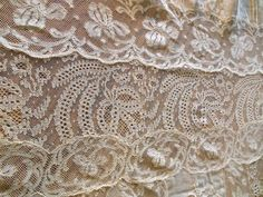 """Antique French Normandy Lace Tablecloth 91"""" x 82"""" Coverlet RARE TB20 