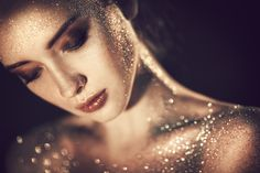Love the depth of field and the glitter together. Maybe not go that far with the…