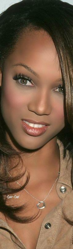 Tyra Banks, Simply Beautiful, Bodysuit, Actors, Logo, Female, Film, Beauty, Art