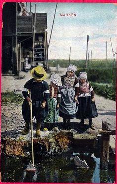https://flic.kr/p/8tQRaR | 1906 MARKEN NETHERLANDS - CHILDREN WITH TOY BOAT