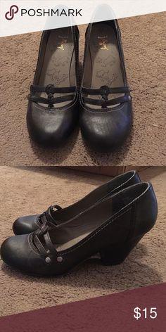 Women's black heels!! Women's dress black heels! In good condition. Jellypop Shoes Heels