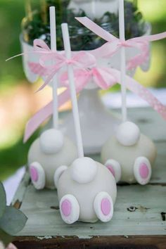 Adorable Some Bunny ist eine Geburtstagsfeier - Pretty My Party - Party-Ideen Bunny Birthday Cake, Easter Birthday Party, Birthday Cake Pops, First Birthday Themes, Baby Girl 1st Birthday, Birthday Decorations, Easter Cake Pops, Birthday Ideas, Bunny Party
