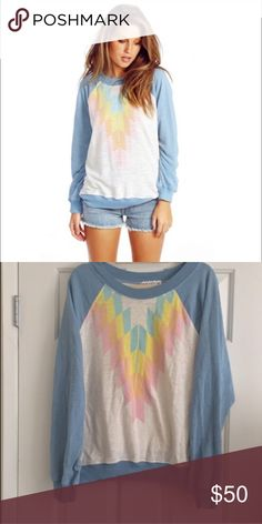 Wildfox native sweatshirt. Size Large Reposhing! Sold to me as new and I've only worn once so it's in excellent condition! Natural Wildfox pilling. Great top. Wildfox Tops Sweatshirts & Hoodies