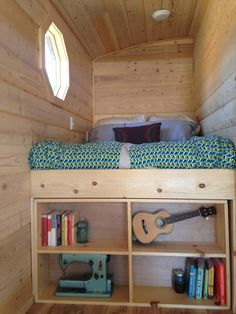 Mallory's tiny house ... now that looks organized!  Love the loft bed that still has some headroom...less claustrophobic