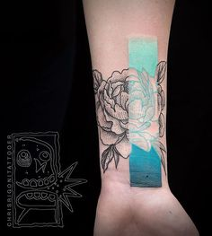 Cover up peony over a tattoo and some scars for Rhiannon. Thank you! August…