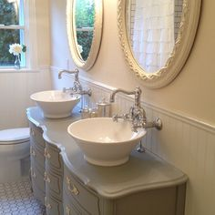 Joanna gaines bathroom design ideas: after picture of bathroom fixer upper Modern Country, Bathroom Pictures, Bathroom Ideas, Bathroom Sinks, Bathroom Stuff, Bathroom Designs, Chip And Joanna Gaines, Home And Deco, French Country Decorating