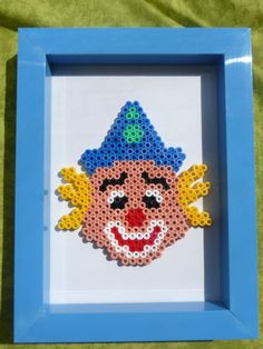 Clown hama beads by Nath Hour Perler Beads, Photos, Brooch, Carnival, Hama Beads, Creative Crafts, Characters, Music, Bricolage