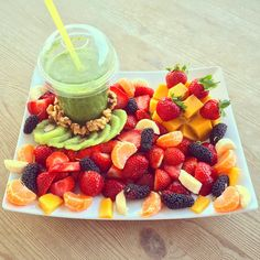 I missed you Turkey - fruit heaven so much❗️  Detox green smoothie with the best fruit combination today❗️ Who wants this right now? My Quote of the day  Our greatest weakness lies in giving up. The most certain way to succeed is always to try just one more time