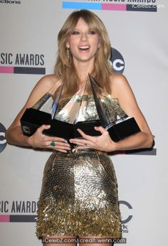 Taylor Swift (2013 American Music Awards - Press Room at Nokia Theatre L.A. Live) See More Pic. http://www.icelebz.com/events/2013_american_music_awards_-_press_room_at_nokia_theatre_l_a_live/