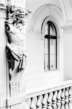 Budapest house detail - free black and white image