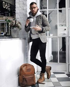Stopping for a break #menswear #simplydapper #stylish http://www.99wtf.net/category/young-style/casual-style/