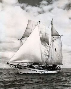 "The STU ""Pathfinder"" traditionally rigged brigantine out of Toronto, Ontario - Canada."