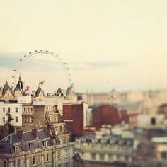 Eye on London by IrenaS, via Flickr
