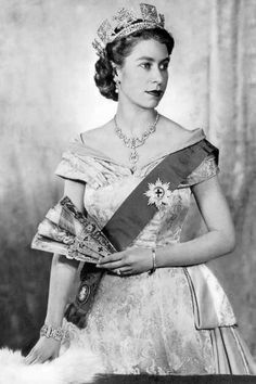 Queen Elizabeth.  I worked at THE STORE in Bluffton, SC  in my youth and my mentor/boss Lady had a print of this very same picture!  I LOVED it, Babbie Guscio!