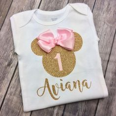 Trendy Birthday Party Girl Minnie Mouse 2 Year Old Minnie Mouse Birthday Outfit, 2nd Birthday Outfit, Birthday Diy, Friend Birthday, Girl Birthday, Minnie Mouse Shirts, Gifts For Girls, Vinyl Cutting, Ideas Party