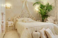 Lidia Bersani - Luxury Classic Interior, Romantic white bedroom, bed with baldachin in silk lace