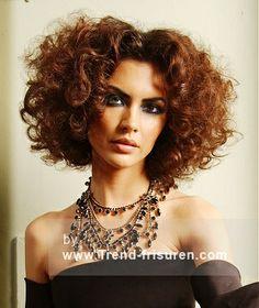 ROYSTON BLYTHE Lange Braun Weiblich Frauen Curly Frisuren hairstyles